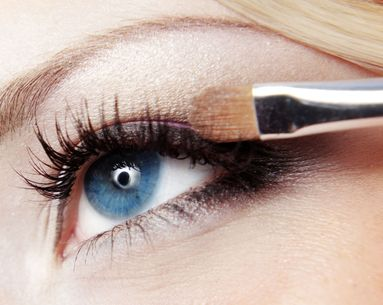 4 Makeup Mistakes That Cause Eye Shadow to Crease