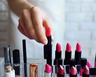 Watch this YouTuber Melt Every Lipstick Available at Sephora in the Name of Science