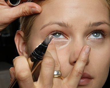 This Makeup Hack Promises to Prevent Concealer From Creasing Once and For All