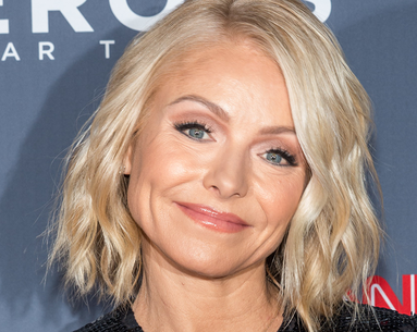 All the Healthy Foods Kelly Ripa's Trainer Keeps in Her Fridge