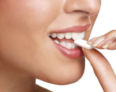 Study Says Chewing Sugar-Free Gum Could Save You From Having to Go to the Dentist