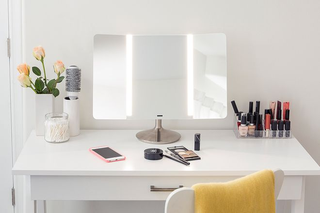 662310a4947 These High-Tech Mirrors Have Impressive Features to Help Your Makeup and  Skin Look Better