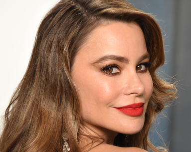 Sofia Vergara's Long-Lasting Lip Color Is Thanks to This Natural Duo