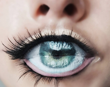 Is it an Eye or Is it a Lip? Instagram's Newest Trend Will Have You Second Guessing Yourself