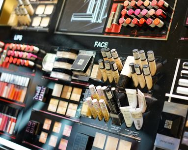 Women Are Going to Sephora to Do Their Makeup—But Not Buying Anything