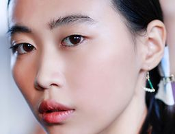 The Big Difference Between Retinol and Retinoids You Should Know