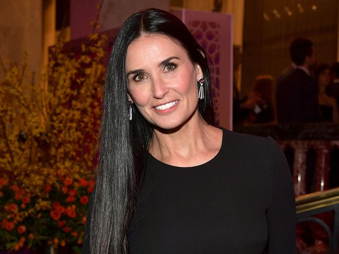 Demi Moore Uses a Crystal Sculpting Tool to Lift Face ...