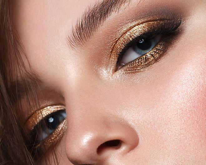 Metallic Eye Shadow Trend Eye Color Makeup Dailybeauty The