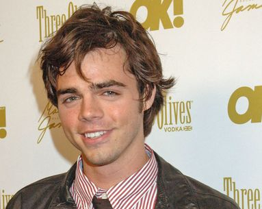 """Modern Family"" Star Reid Ewing Wishes He Never Got Plastic Surgery"