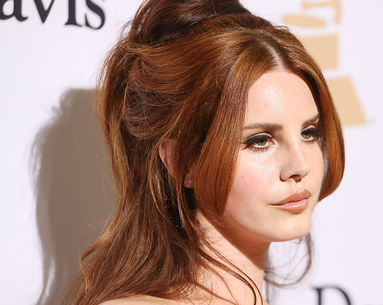 You Won't Be Able to Stop Watching Lana Del Rey's Multitasking Makeup Tutorial