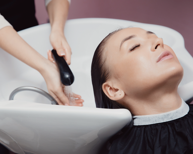 This Terrifying Haircutting Technique Is Going Viral for Giving Beauty Results