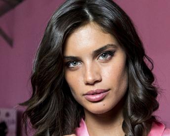 Victoria's Secret Angel Sara Sampaio Reveals She Has Trichotillomania
