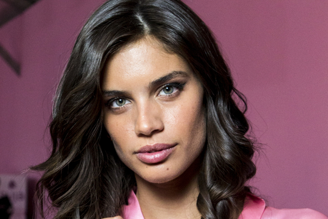 6946a1992b6 Victoria s Secret Angel Sara Sampaio Reveals She Has Trichotillomania