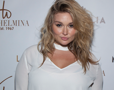 "Sports Illustrated Swimsuit Model Hunter McGrady on Hating the Word ""Plus-Sized,"" Her Makeup Station, and How Long It Took to Wash Off THAT Bathing Suit"