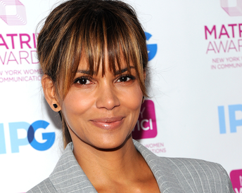 The Super Easy Fitness Move That Gets Halle Berry Her Flattest Abs
