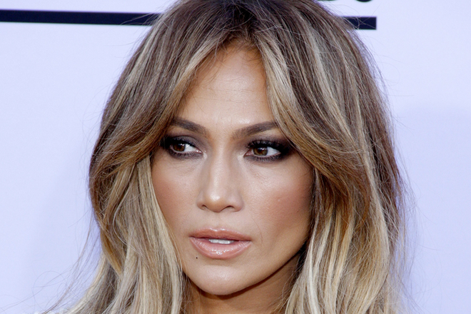 6f5f618ad5f This Blogger s J. Lo Makeup Transformation Will Make You Do a Double Take
