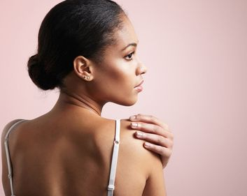 0d7de871e50f55 Plastic Surgeons Say These 10 Things Are Dead Giveaways You ve Had Work Done