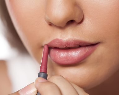 8 Signs You Are Wearing the Wrong Makeup