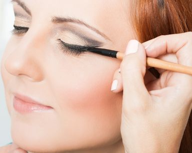 The Eyeliner Mistake You're Making That Could Damage Your Eyes