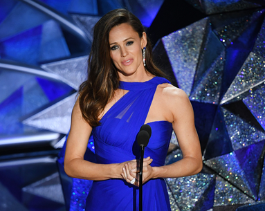 The Exact Moves That Give Jennifer Garner Those Killer Arms